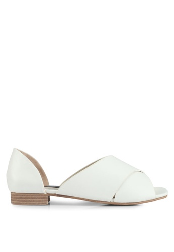 LOST INK white Clara Crossover Flat Sandals E4FCASH233AB79GS_1
