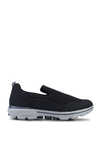 UniqTee black Lightweight Slip-On Sport Sneakers E00EDSHC338CE3GS_1