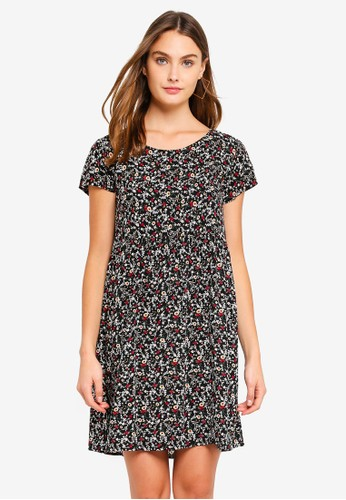 Brave Soul black Smock Dress In All Over Ditsy Floral Print 524C5AA404F14EGS_1