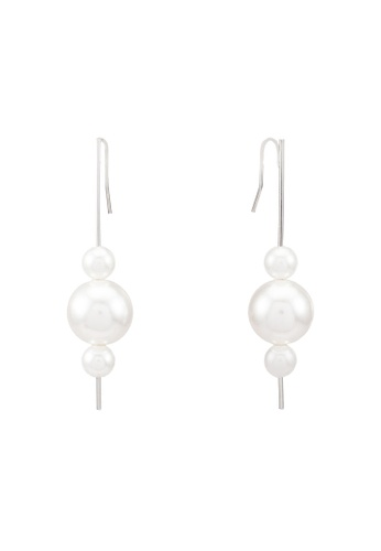 Red's Revenge white 3-Pearl Dangle Earrings RE144AC0RRTYMY_1