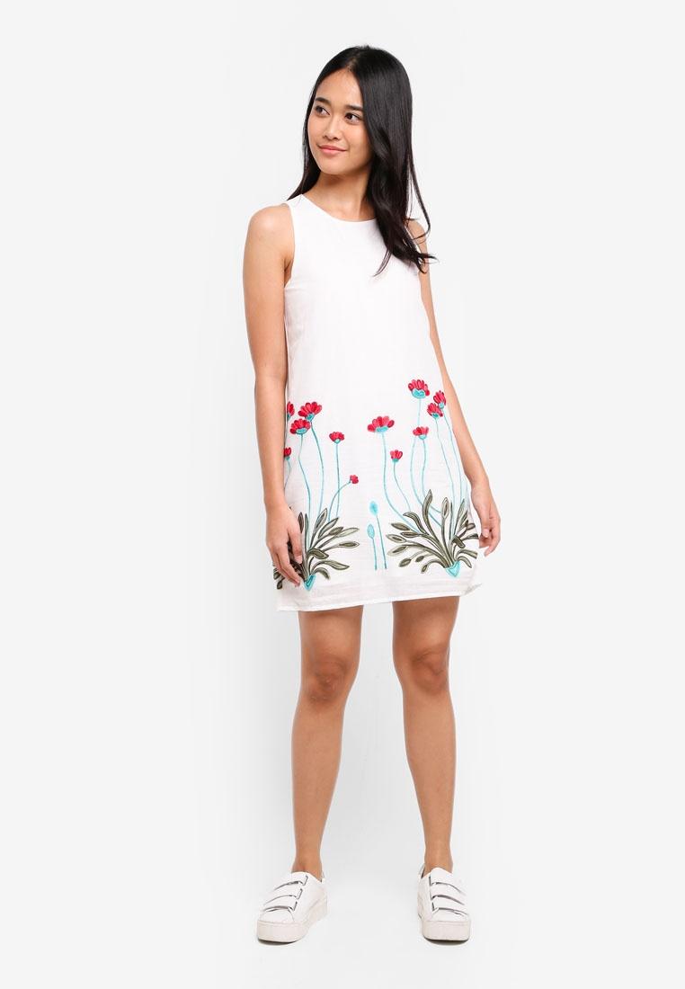 Borrowed Based Embroidered Something Dress Emboidery White Sleeveless FxFntHfU