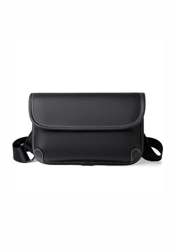Lara black Men's Leather Flap Cross-body Bag - Black E4C7FAC635AB00GS_1