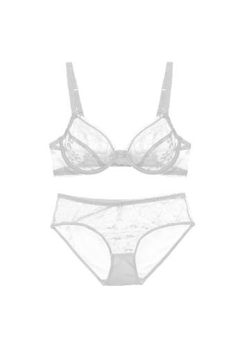 W.Excellence white Premium White Lace Lingerie Set (Bra and Underwear) 98EABUSFD4EC77GS_1