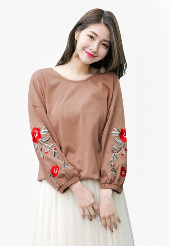 Tokichoi brown Embroidered Floral Sweater 2BBD8AAF43F882GS_1