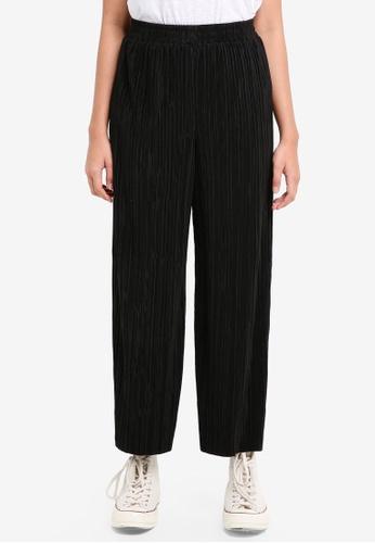 TOPSHOP black Plisse Trousers C31F9AAE522672GS_1