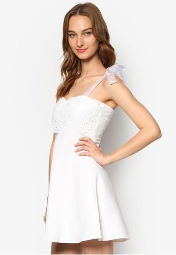透視緞帶蝴蝶結幾代蕾絲修身洋裝, 服zalora鞋飾, 洋裝
