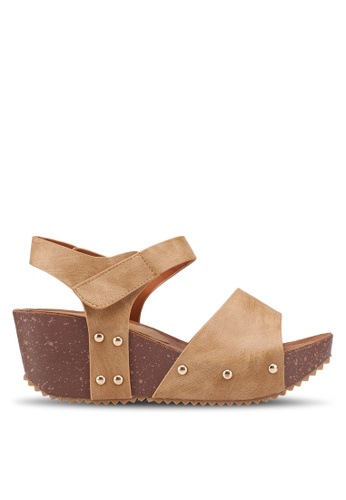 Noveni brown Studded Velcro Wedges CA9A6SHFB92834GS_1