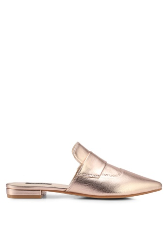 ZALORA gold Metallic Slip-On Loafers 5121ESHAEF27F8GS_1