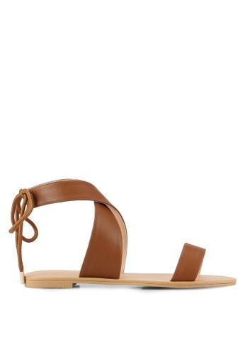 ZALORA brown Cross Strap Sandals 8FCF2SHB5D123EGS_1