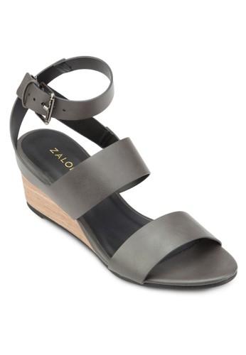 交叉踝帶中跟楔型跟涼鞋、 女鞋、 楔形涼鞋ZALORA交叉踝帶中跟楔型跟涼鞋最新折價