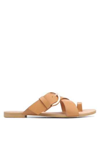 ZALORA brown Buckle And Loop Sandals 022C5SH9686DBEGS_1