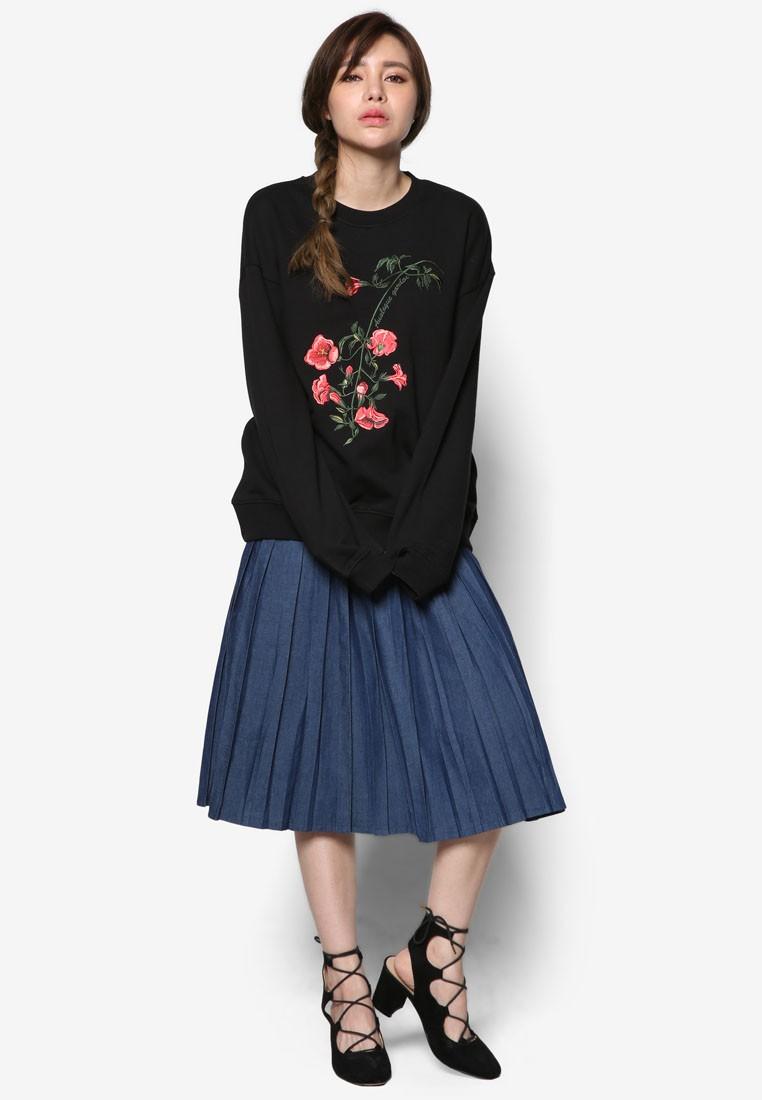 K Fashion Rose Embroidery Sweatshirt
