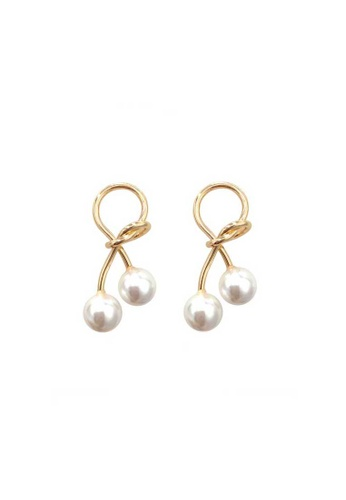 Golden Bow Earring With Pearls