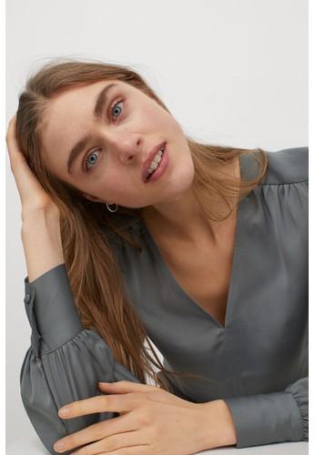 H&M green V-neck blouse ACA35AACDFE61FGS_1