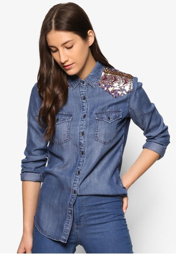 Marti 肩飾丹寧長袖襯衫、 服飾、 T-shirtDesigualMarti肩飾丹寧長袖襯衫最新折價