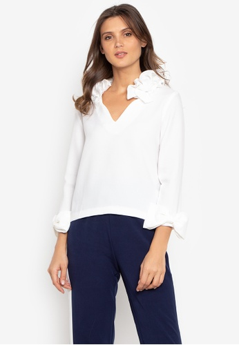 Madelaine Ongpauco Barlao white Ruffled V Neck Blouse With Bow On The Sleeves 412A9AA4A83680GS_1