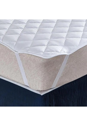 AMOUR Mattress Protector - Queen Size. 50483HLC5D7BCBGS_1