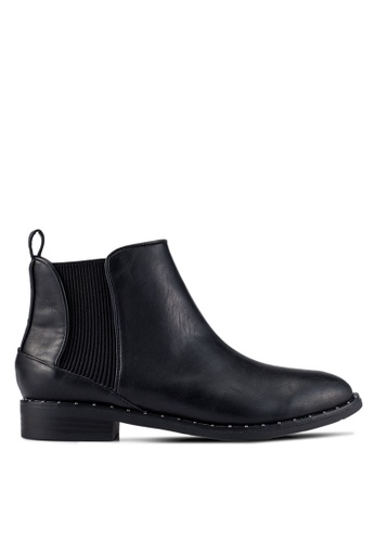 ZALORA black Chelsea Boots With Small Stud Details 3371FZZCEFEED5GS_1