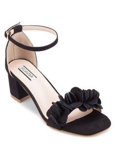 【ZALORA】 立體花飾踝帶粗跟鞋