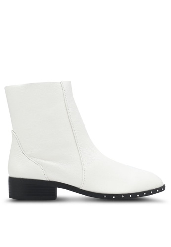TOPSHOP white Kash Leather Sock Boots TO412SH0SD70MY_1