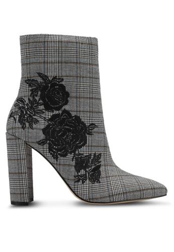 Miss Selfridge 黑色 時尚經典格紋花卉刺繡踝靴 MI665SH0SS6VMY_1