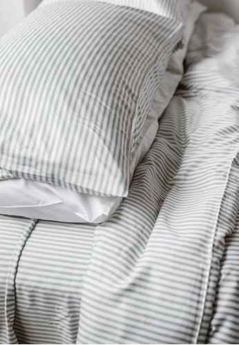 "Linen & Homes multi 100% Bamboo 4 Piece Smoke Stripes Bedsheet Set - Queen Size (60 x 80 x 16"") 00F06HL0BFA706GS_1"