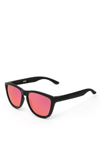 Hawkers black HAWKERS Carbon Black Red ONE Sunnies 081C6GLAFF12C5GS_1