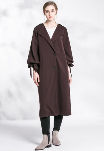 Les Premieres brown Oversized Strapped Cuff Coat w/ Shoulder Detail 523CEAA69A2EAAGS_1