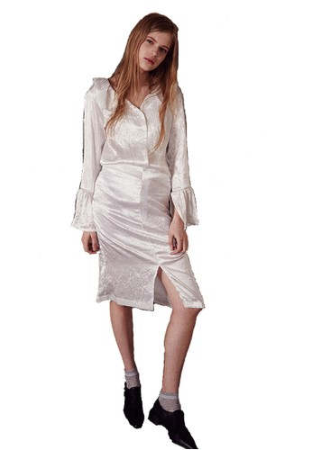 17esprit taiwanSS白色褶皺女衫, 服飾, 上衣