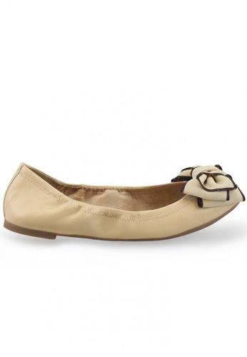 Shu Talk beige Nappa Round Toe Ballet Flats With Fabric Bow SH617SH2USCTHK_1