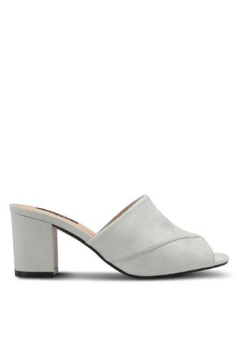 ZALORA grey V-Upper Slip On Heels EFDAASHF87FB32GS_1