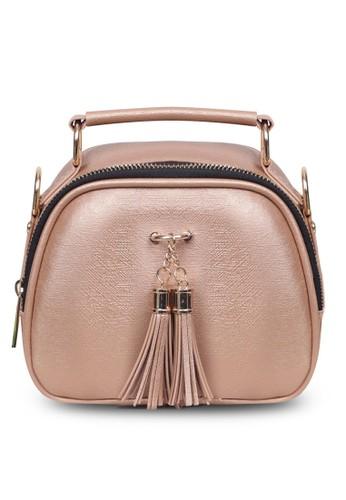 Quincy Label gold Sling Bag Tassel Selempang Gold- Quincylabel 673E3ACF576A10GS_1