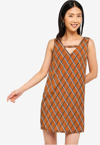 ZALORA BASICS brown and multi Basic Keyhole Back Shift Dress D374FAA781DFB5GS_1