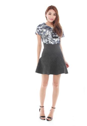 Sophialuv multi Deana Short Sleeve Shell Top  in Monochrome Floral Print F6322AAFAA341BGS_1