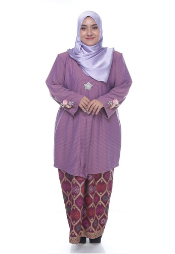 Nayli Plus Size Purple Pink Kebaya Labuh from Nayli in Pink and Purple