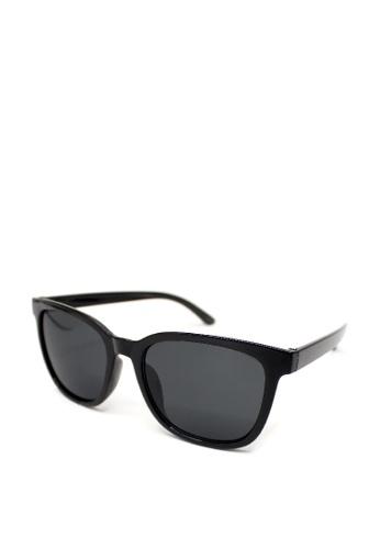Peculiar and Odd black Peculiar Square 3021 Classic Sunglasses 3CF38GL09E7915GS_1