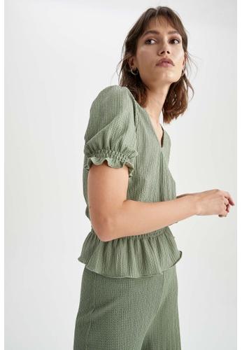 DeFacto 綠色 Short Sleeve V-Neck Blouse 7A7C1AACF8D909GS_1