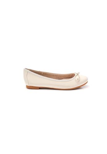 Elisa Litz beige Gwyneth Flats (Cream) 92720SH9A14144GS_1