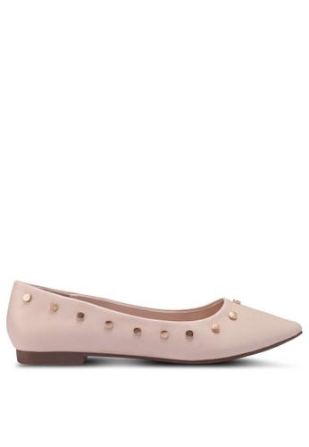 Something Borrowed 米褐色 鉚釘平底鞋 8793ESH9D0BDD1GS_1