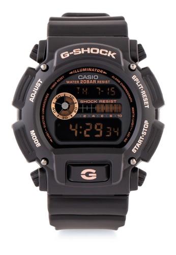 G-shock black and gold G-shock Men DW-9052GBX-1A4DR Black Gold 79FCBAC18C4C98GS_1