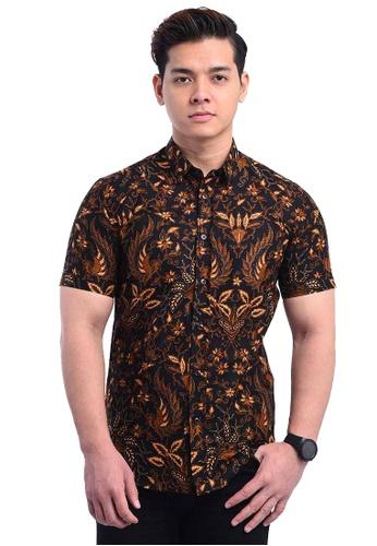 UA BOUTIQUE brown Short Sleeve Shirt Batik UASSB80-082 (Dark Brown) 42CDAAA4B59FFBGS_1