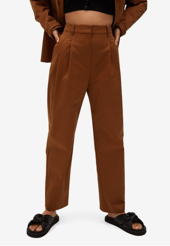Mango brown Cotton Pleated Trousers 05ECCAAF6EA94AGS_1