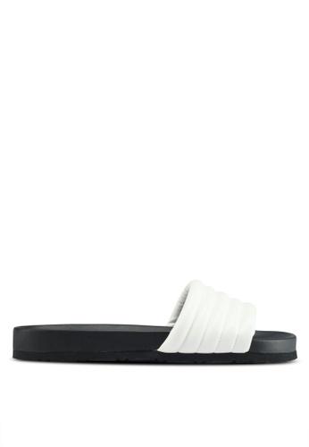 Public Desire 白色 休閒壓紋拖鞋 D30D8SHC924E65GS_1