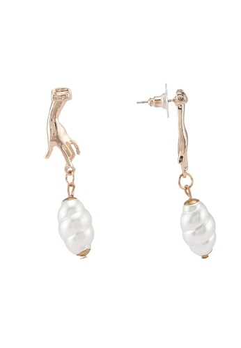 Saturation gold Hand me the Pearl Earrings 17EC8ACC87CCC3GS_1