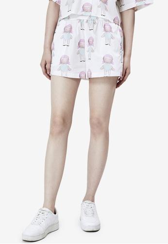 URBAN REVIVO white Dolls Printed Shorts A5A0DAAE252127GS_1