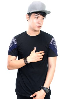 Tee with Bandana Cut-out