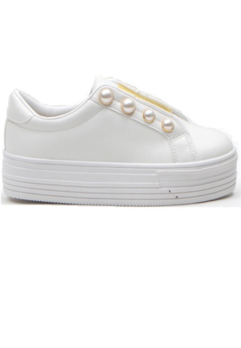 Crystal Korea Fashion 白色 韓國製厚底珍珠裝飾休閒鞋 10952SH2E6EB6FGS_1