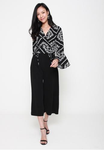 Sophialuv black Please Sleeve Floral Bell Sleeve Crop Top in Black C1BC2AA0BAD3D8GS_1