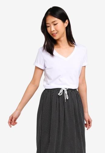 ZALORA BASICS white Basic Rolled Sleeves V Neck T-Shirt DF4C3AAF554CC3GS_1