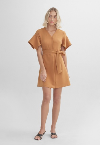 Pomelo brown Structured Drape Shoulder Dress - Brown 14716AADCDD1A1GS_1